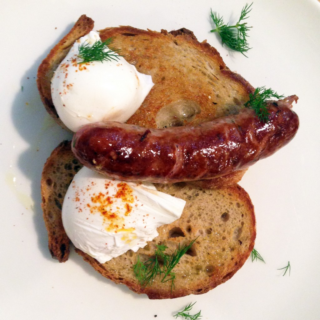 The Meat project - Sausage and Eggs - Wurst - Caravelle Barcelona - Sausage and Poached Eggs on Toast. Wurst und pochierte Eier auf Toast.